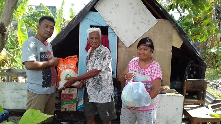 Persecuted believers in Indonesia receive vital food aid.